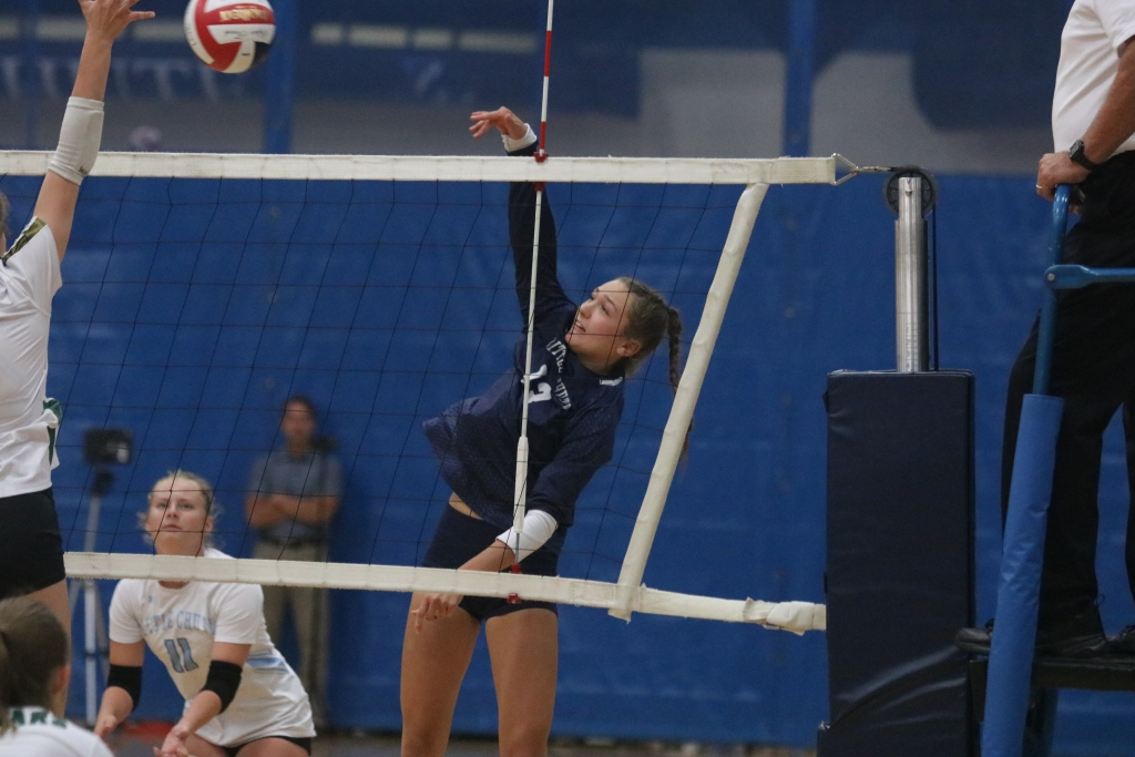 The Little Chute volleyball team dropped its record to 7-6 overall and 0-2 in the North Eastern Conference with 3-0 losses to Green Bay Southwest...