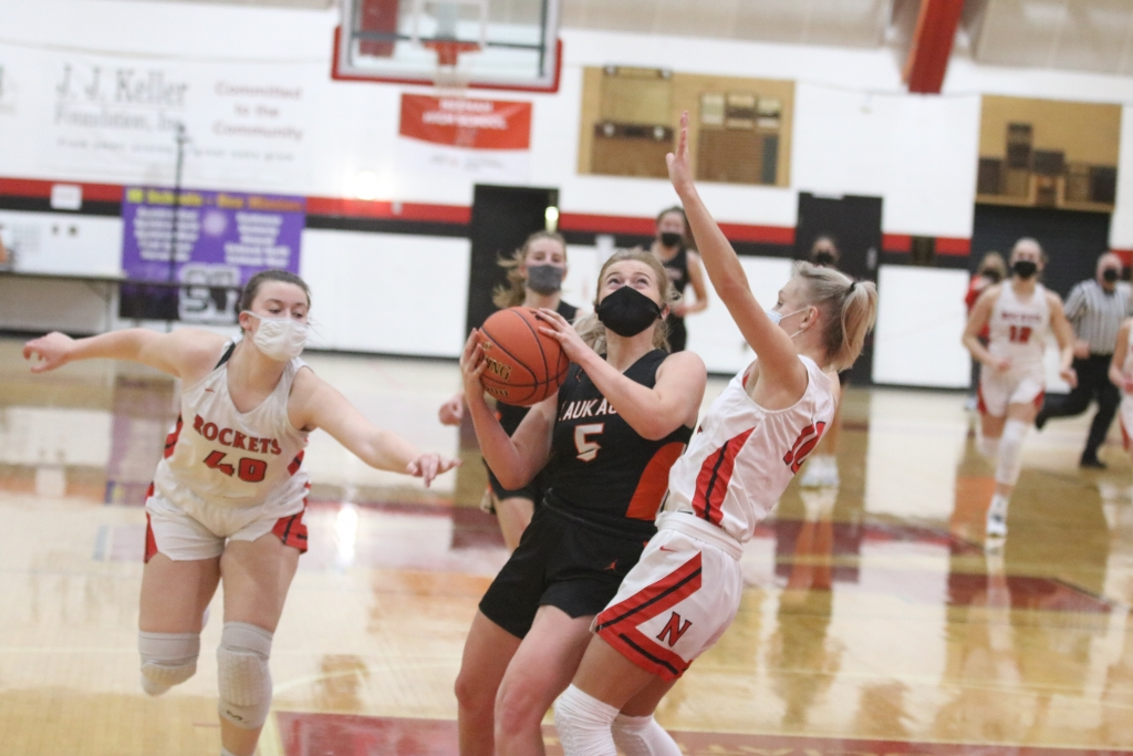 The Kaukauna girls jumped out to 19-10 lead in the first 10 minutes of last Tuesday night's road game at Neenah, but the Rockets countered with...