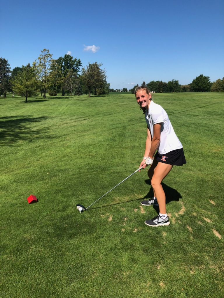 Sophomore Alexa Kinas shot a 37 on the back nine of Saturday's Fond du Lac Invite, tying a school record for a nine-hole score on her way to...